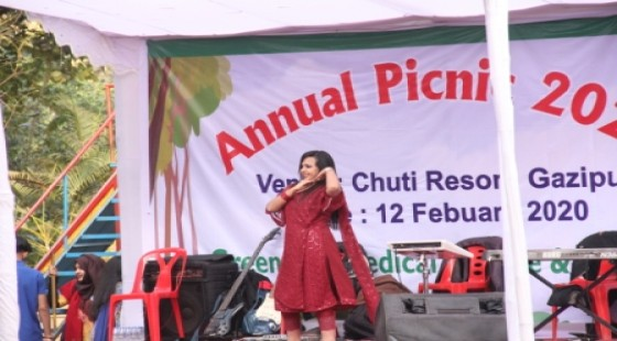 Dance performance in the annual picnic 2020